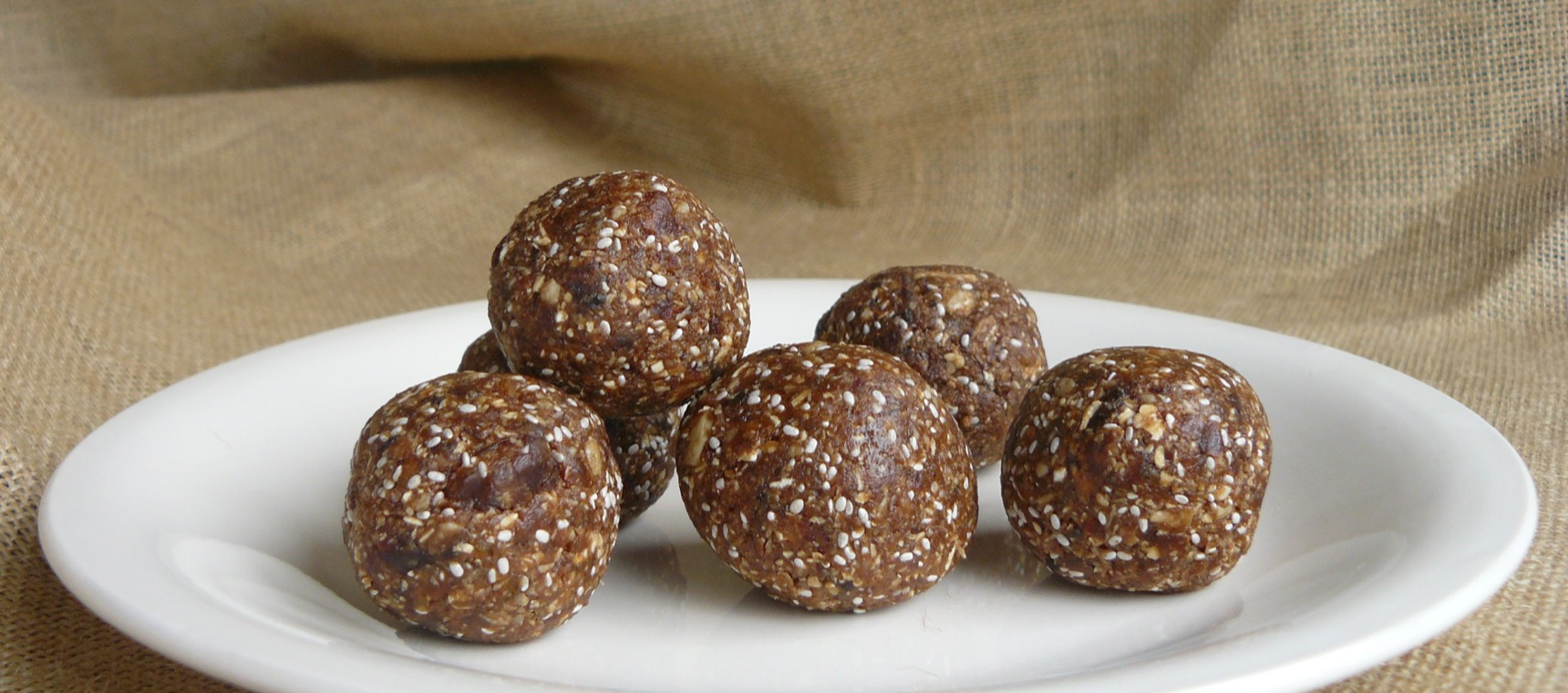 Date and Oat Balls