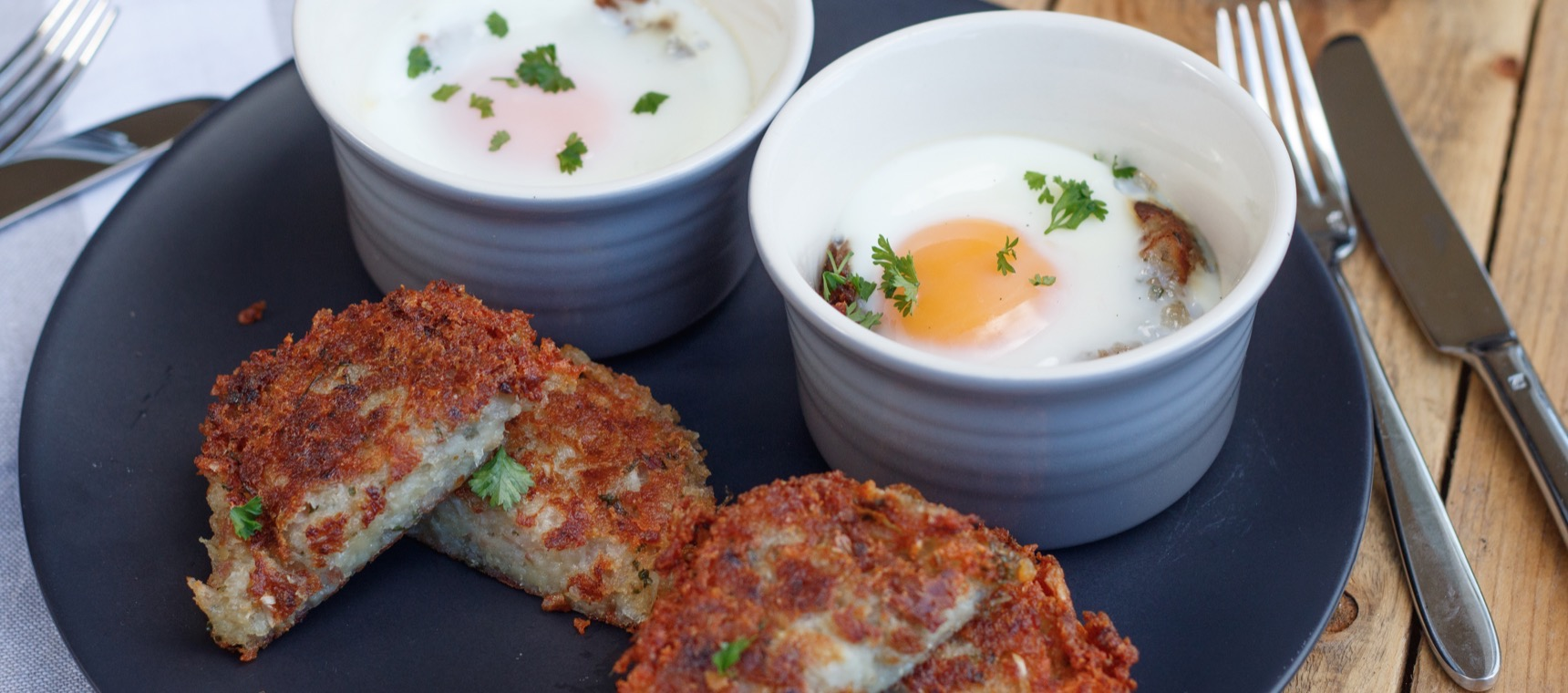 Baked Eggs and Hash Brown Bowls